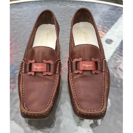 SALVATORE FERRAGAMO WOMEN LEATHER BROWN LOAFER SHOES sz 8.5 Italy